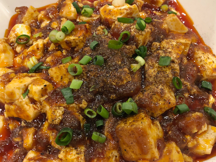 神保町【麻婆豆腐】コクのある辛さで発汗デトックスランチ