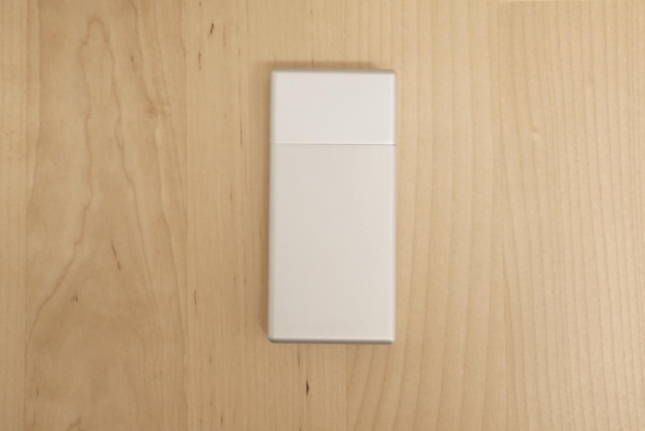 無印良品の携帯灰皿がミントタブレットの携帯にジャストフィットするぜ